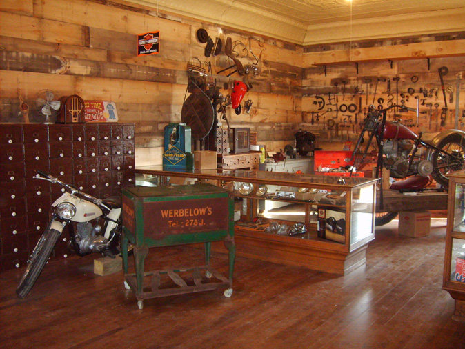 garage door entrance ideas - Gift Shop Timeline Saloon & BBQ W2707 State Highway 29